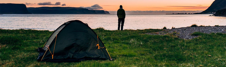 Angler mit Zelt
